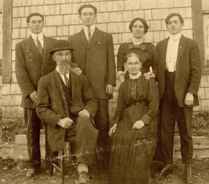 old image of family
